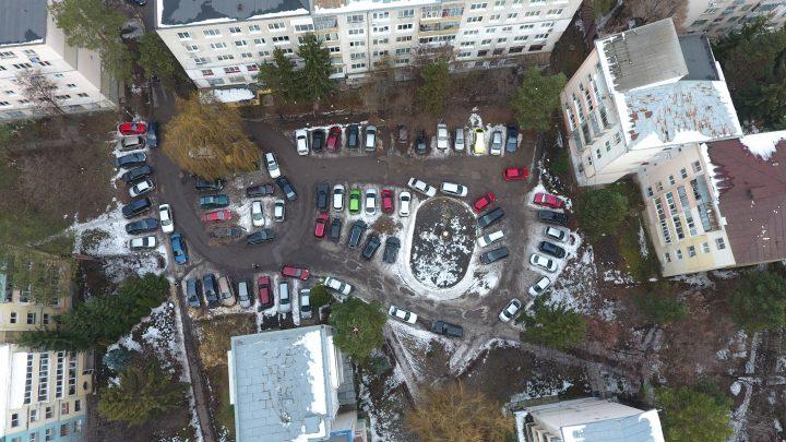 """Cușnir propune parcări supraetajate pe structura metalică în Suceava: """"Cei ce au avut garaje să primească în compensație dreptul de a folosi 2 locuri în structurile supraetajate"""""""