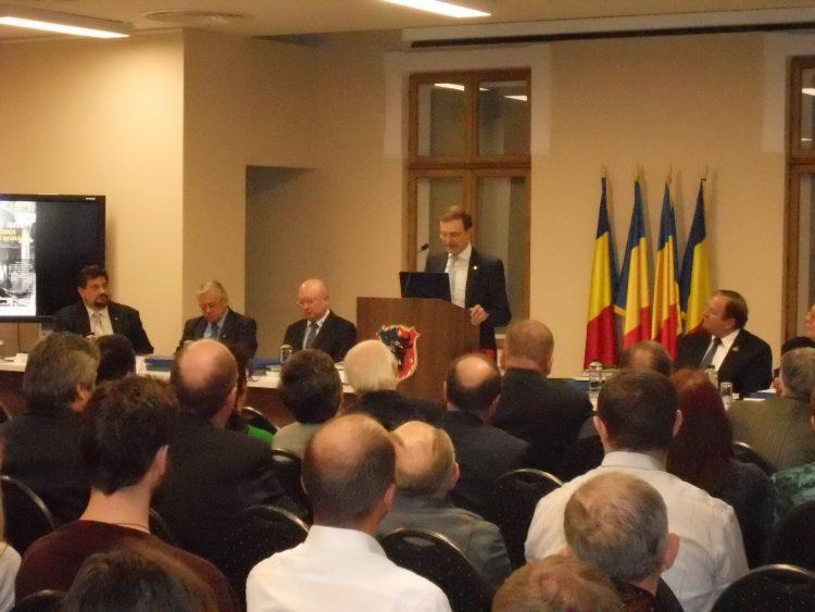 """Sesiune solemnă a Academiei Române la Muzeul de Istorie Suceava.Pop: """"Bucovinenii sunt cei mai vechi, mai neaoși moldoveni"""""""