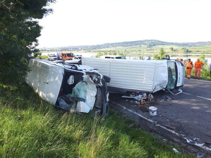 FOTO / Accident rutier la Podeni: 4 vehicule implicate, 7 răniți