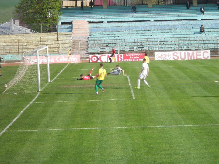Fotbal, Liga 3: Foresta Suceava învinge liderul, Șomuz Fălticeni smulge un punct cu noroc