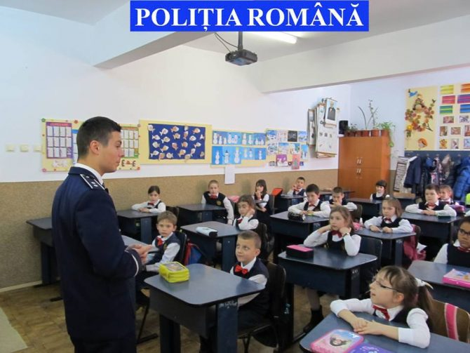 Minor din Moldova Sulița, căutat de polițiști după ce a plecat de acasă pentru a-și căuta telefonul