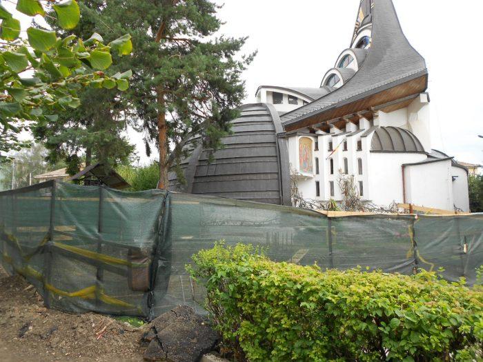 Biserica din spatele Palatului de Justiție Suceava va avea turn clopotniță