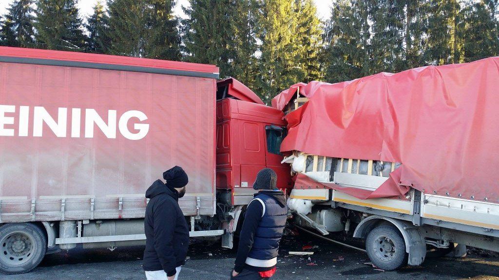 Șoferul moldovean implicat în accidentul de tiruri din pasul Tihuța a decedat