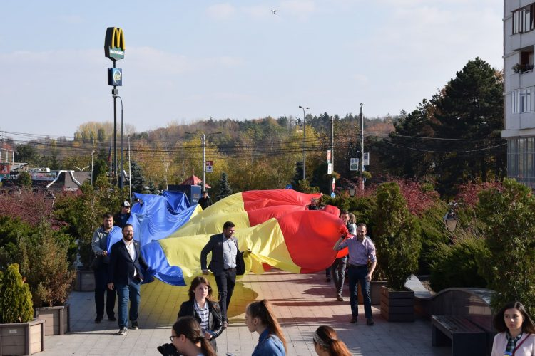 OCHIUL SOACREI: Hai cu Meritul Bucovinei!
