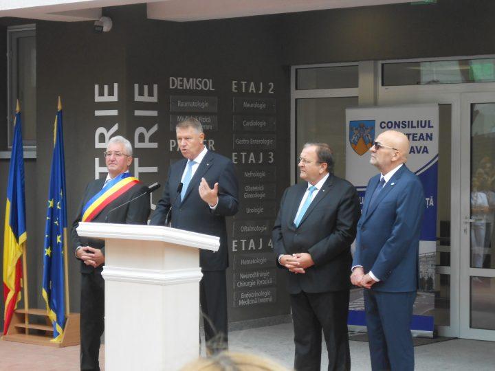 """Iohannis la inaugurarea ambulatoriului Spitalului Județean Suceava: """"Guvernarea PSD ne-a oferit doar fantasmagorii"""""""