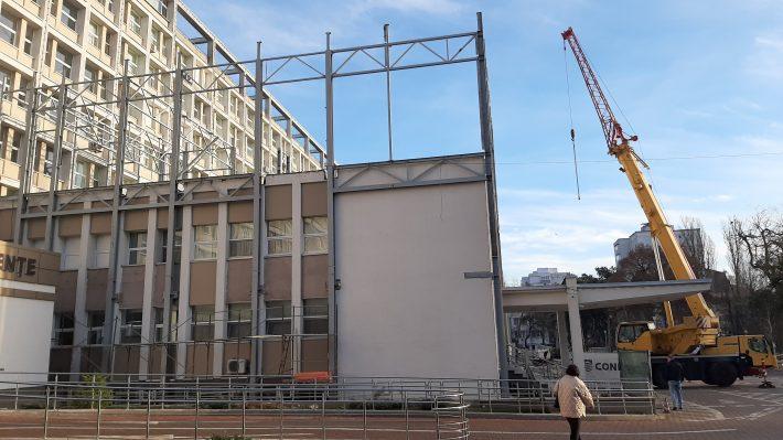 A început montarea structurii la noul Bloc Operator al Spitalului Județean Suceava