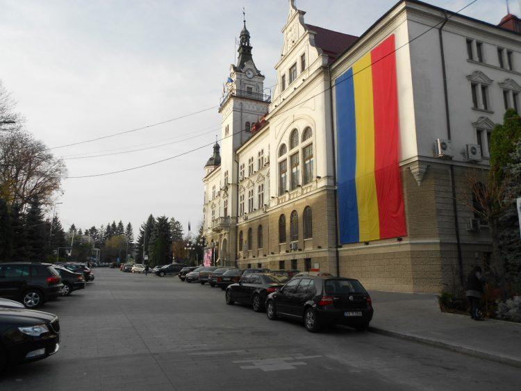 """CJ Suceava cumpără 1.000 de broșuri bilingve """"Paștele în Bucovina"""""""