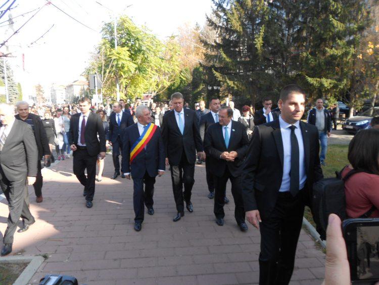 Primarii din Suceava, Câmpulung Moldovenesc și Vatra Dornei invitați la ședința festivă cu Iohannis de la Iași