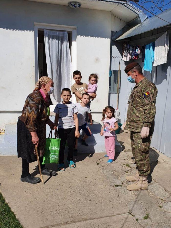 Acțiunile umanitare ale Armatei continuă în județul Suceava