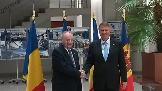 IOHANNIS s-a întâlnit, la USV, cu președintele moldovean TIMOFTI