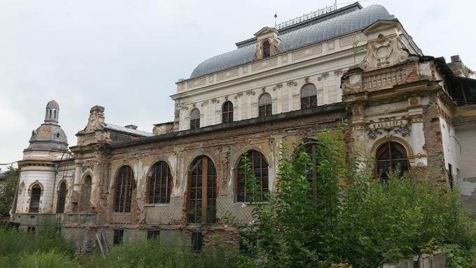 Arhiepiscopia Sucevei și Rădăuților reface cu fonduri europene cazinoul din Vatra Dornei