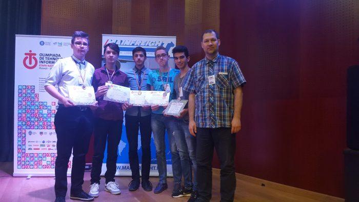 Doi elevi ai Colegiului Nicu Gane, medaliați la Olimpiada de Tehnologia Informației