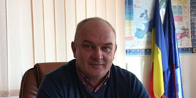 Primarul din Ipotești și-a pierdut funcția din motive de incompatibilitate