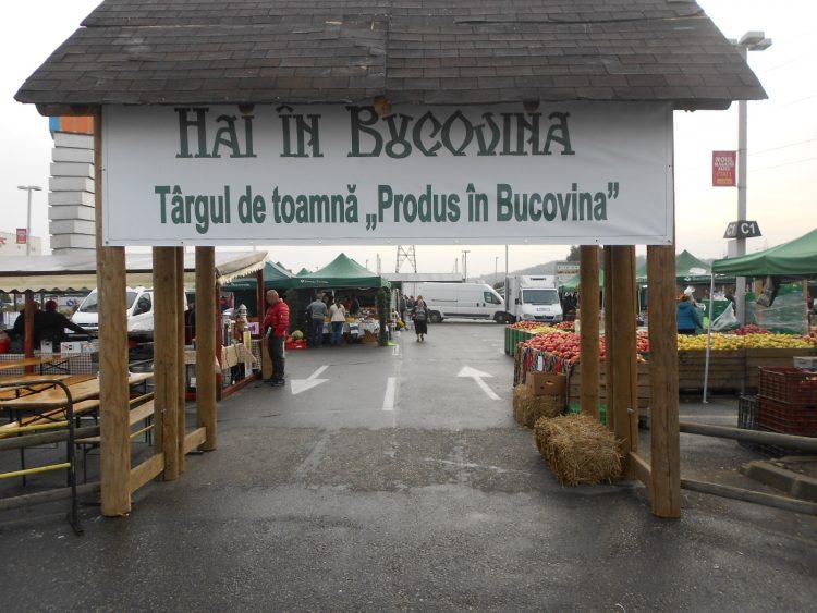 """FOTO/Oferte variate la Târgul de toamnă """"Produs în Bucovina"""" de la Iulius Mall Suceava"""