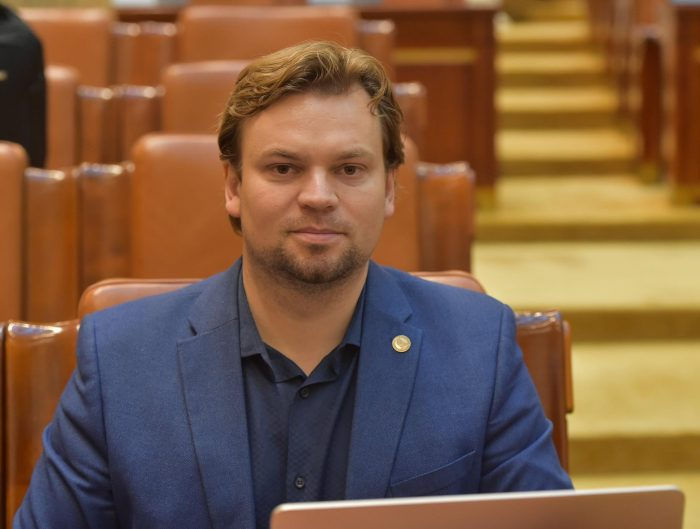 """Deputatul USR Popescu solicită Guvernului """"o politică responsabilă"""" în privința numărului urșilor din județul Suceava"""