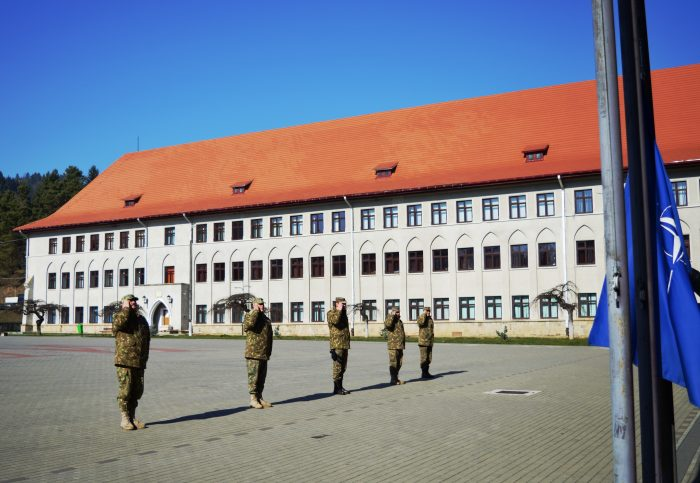 Ziua NATO marcată în Garnizoana Câmpulung Moldovenesc