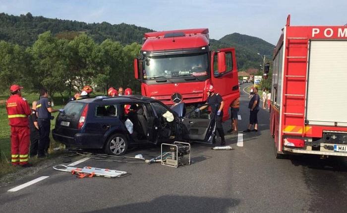 Șofer sucevean decedat după ce s-a izbit într-un TIR, în județul Cluj