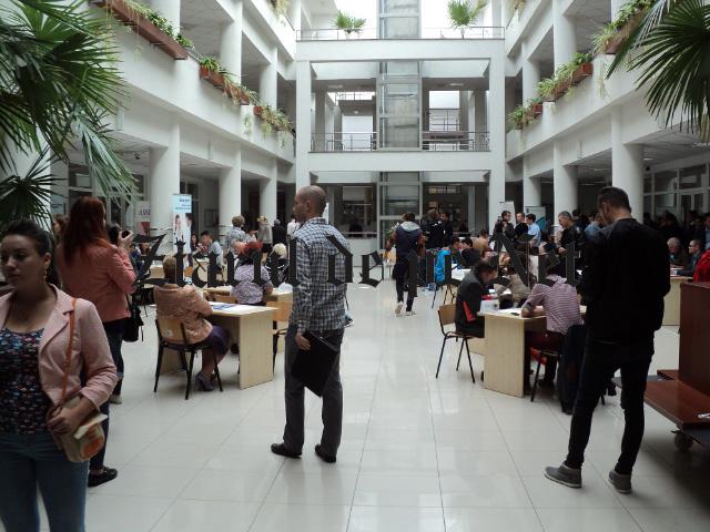 17 absolvenți din județul Suceava au fost încadrați pe loc la bursa locurilor de muncă