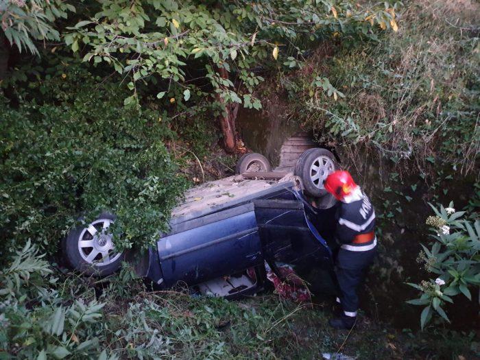 FOTO / Autoturism răsturnat la Brăiești:5 persoane rănite