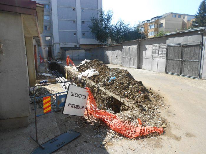FOTO / Întârzieri în refacerea carosabilului după înlocuirea conductelor termice din municipiul Suceava