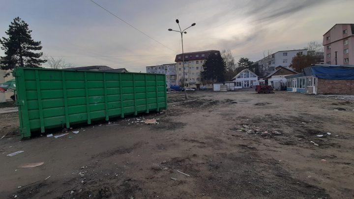 Pregătiri pentru șantierul parcării subterane din Piața Mică Suceava