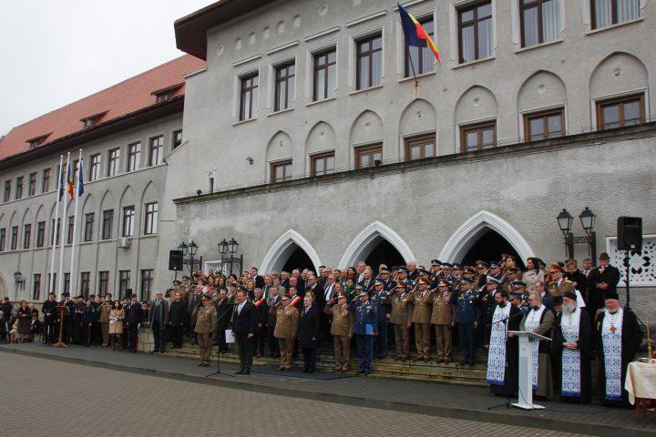 Colegiul Național Militar Ștefan cel Mare Câmpulung Moldovenesc decorat de ministrul Apărării, la aniversarea a 95 ani