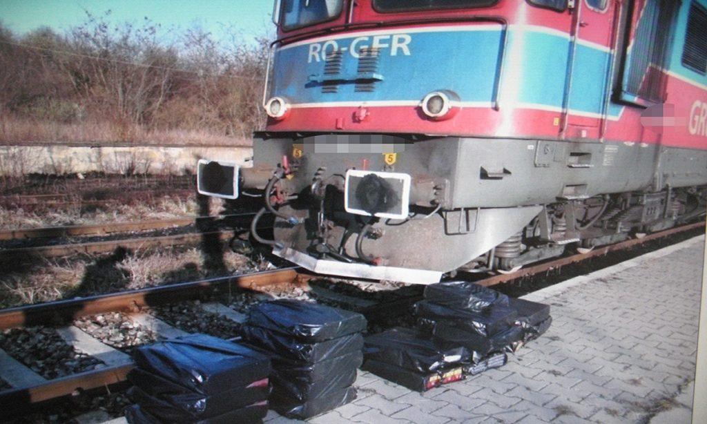 Lucrători CFR depistați cu țigări de contrabandă, în PTF Vicșani