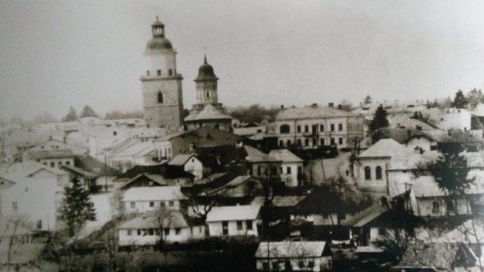 UN ORAȘ, DOUĂ SECOLE (96): Centrul Sucevei văzut de la Cetatea de Scaun