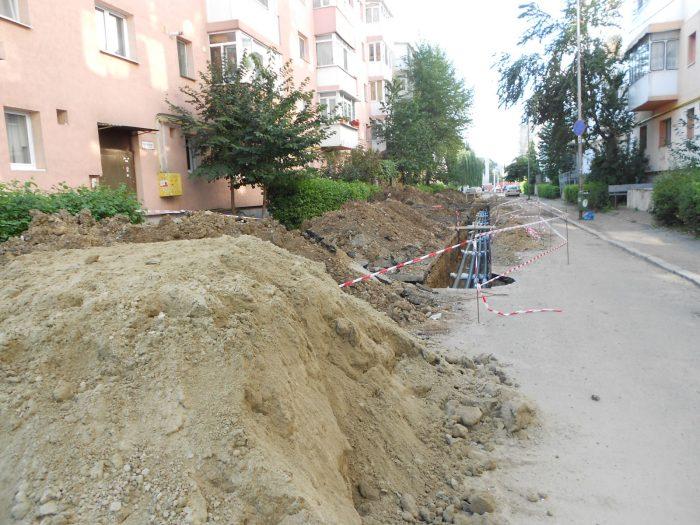 FOTO / Modificări în modernizarea rețelelor termice din cartierul Zamca din Suceava