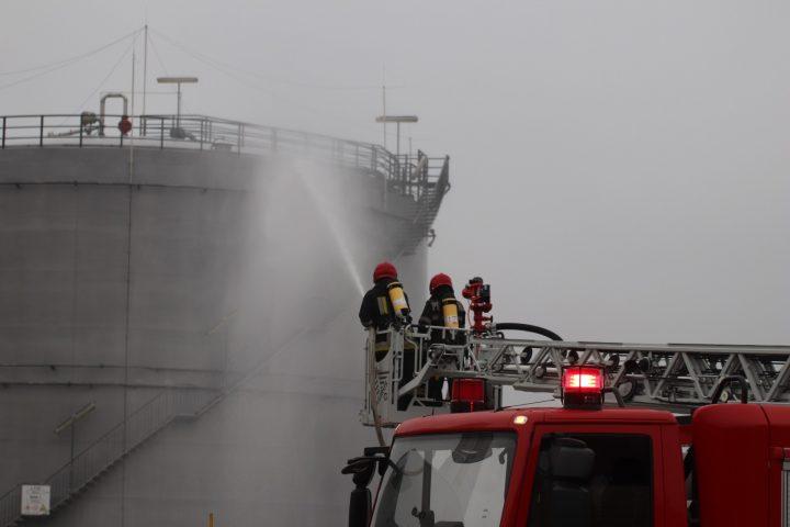 Exerciţiu ISU pentru intervenția la un incendiu la Egger Technologia Rădăuți
