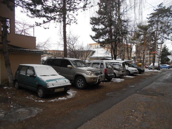 Viceprimarul Harșovschi revine în CL Suceava cu proiectul de modernizare a parcărilor dintre blocuri