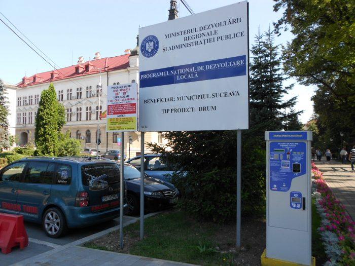 Cine și-a permis? Flutur, pus să plătească parcarea în fața Palatului Administrativ Suceava