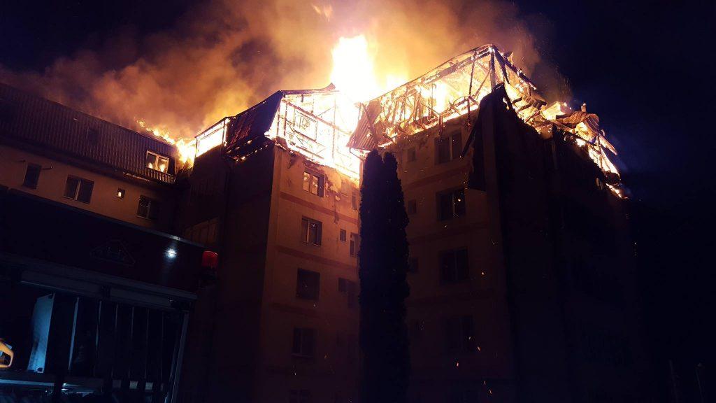 Familiile din Gura Humorului afectate de incendiu nu primesc, deocamdată, bani de la Consiliul Județean
