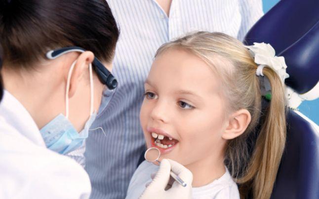 Campanie DSP Suceava pentru igiena orală, luna viitoare