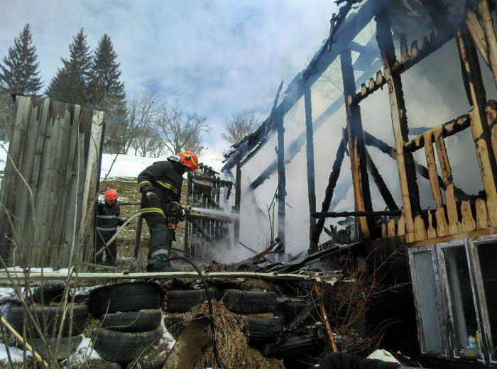 Gospodărie afectată de incendiu la Panaci