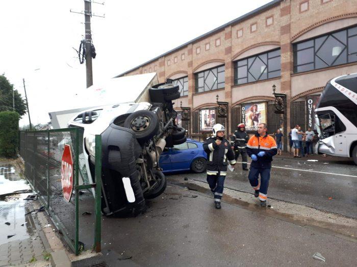 FOTO/Accident rutier cu 5 răniți la Câmpulung Moldovenesc