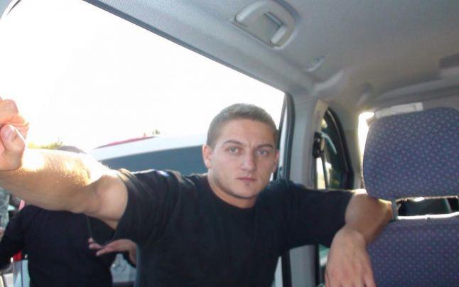 Poliţistul sucevean lovit cu sabia în cap, transferat la Spitalul Militar București