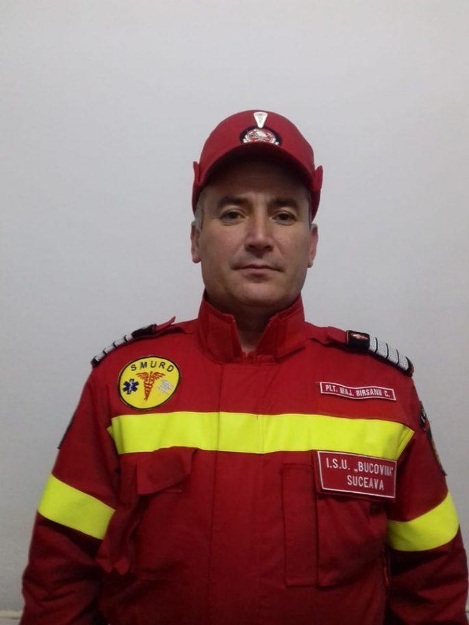 Pompierul militar Cristi Bîrsanu din Fălticeni este cel care a salvat o tânără căzută în fântână, la Mălini