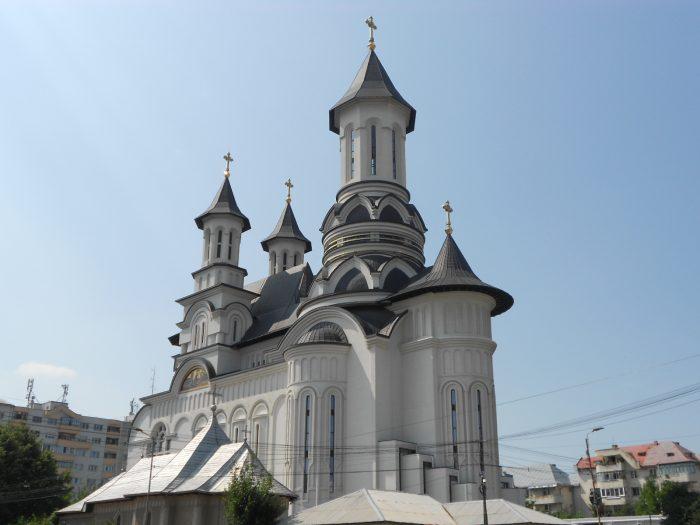 FOTO / Au început lucrările de pictură în catedrala din Suceava