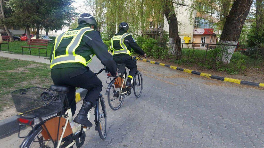 OCHIUL SOACREI: Polițiști locali la pedale
