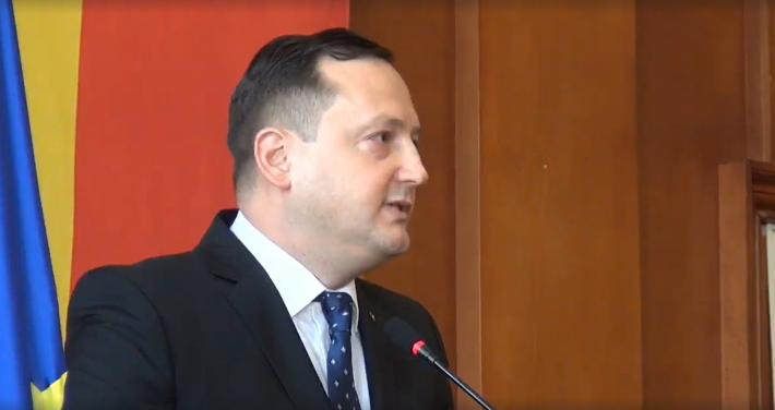 """Moldovan a fost înscăunat prefect de Suceava:""""Îmi doresc să reinstaurăm meritocrația în ocuparea funcțiilor publice de conducere"""" / Flutur i-a făcut deja agenda: PNDL, investiții, siguranța publică, proiecte europene"""