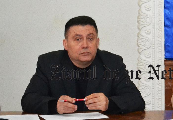 Viceprimarul din Fălticeni, Constantin Bulaicon, înjurat ca la ușa cortului de un mire pe motiv că nu s-a deplasat să oficieze căsătoria în afara Primăriei