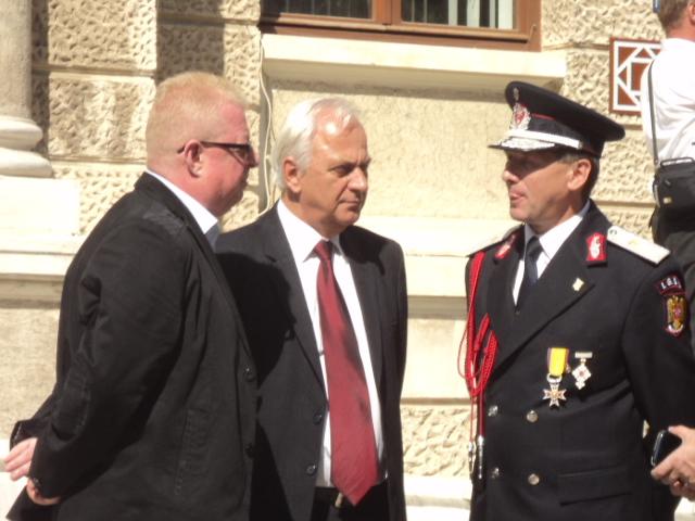 Burlui scoate limba la Radulescu si Nistor 13.09.2014
