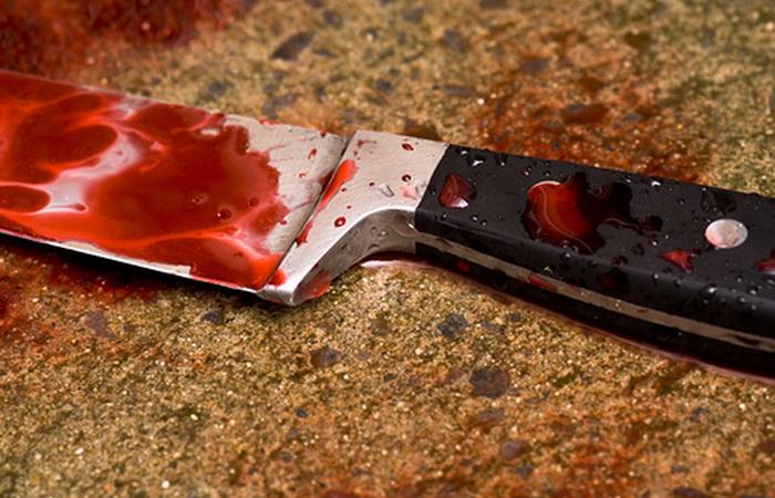 Un bărbat și-a ucis mama cu cuțitul, într-o cameră de hotel din Vatra Dornei