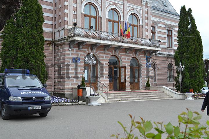 Primăria Fălticeni acordă vouchere de vacanță