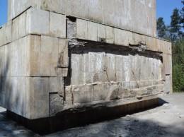 Statuia lui Dtefan cel Mare de la Cetatea Suceava- foto Ziarul de pe Net 26.04.2015 (2)