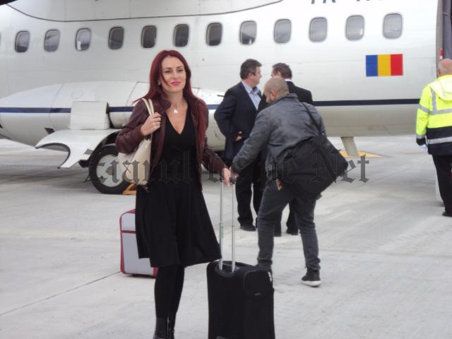 Steliana Miron prima debarcare pe noul aeroport Suceava 12.11.15