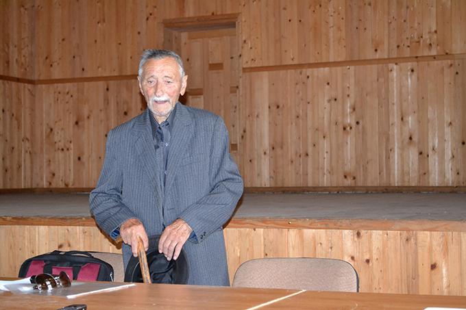 Veteranul de război Petru GRIGORE (GRUMĂZESCU), așteptând, la 94 de ani, să se trezească autoritățile