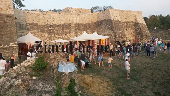 20 de trupe de actori la Festivalul medieval de la Suceava