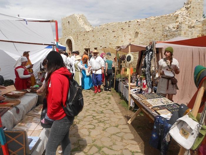 FOTO  50 de spectacole zilnice la Festivalul Medieval de la Suceava